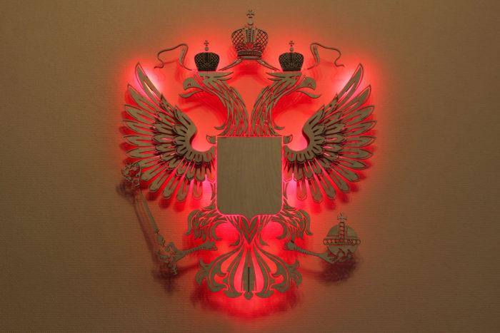 Герб России из фанеры красный