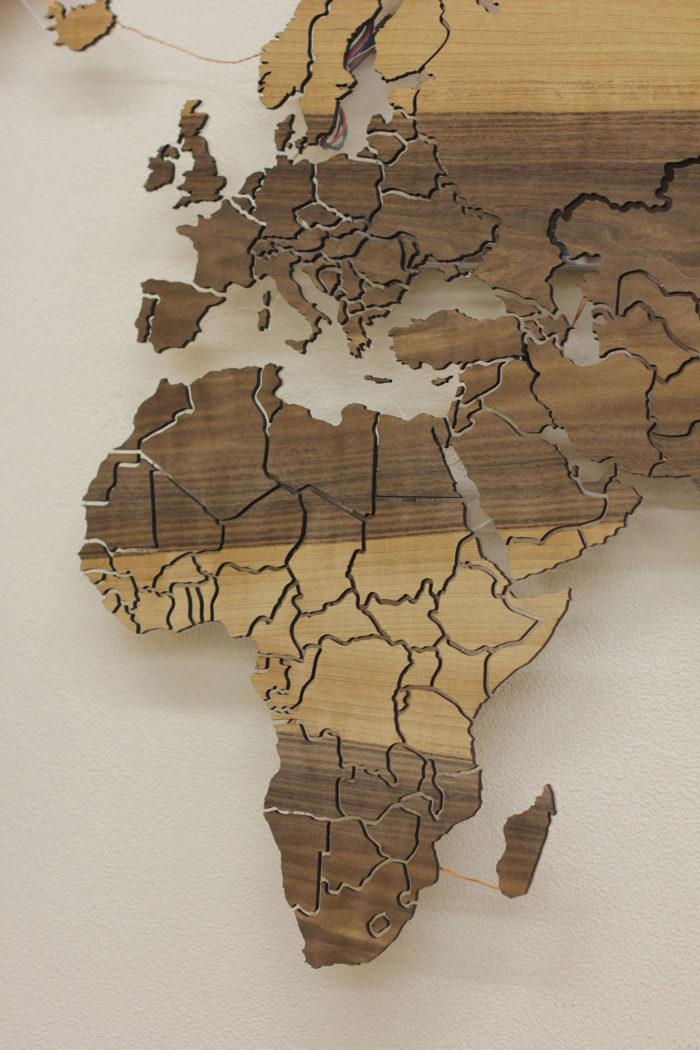 Карта из дерева Африка вблизи