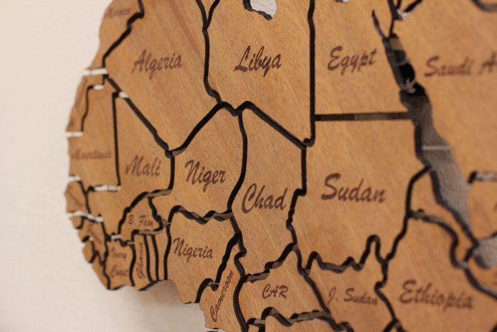 Карта Африки из дерева