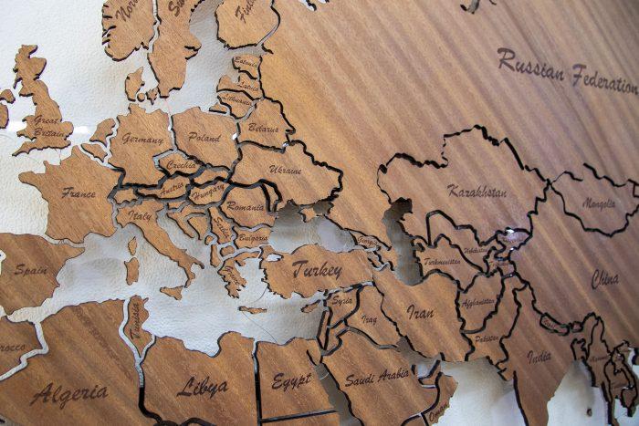 Карта Мира из Биболо вблизи