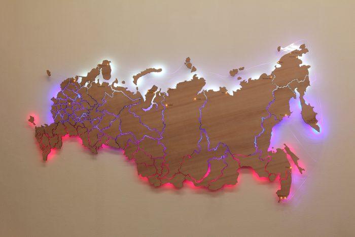 Карта России из дерева с подсветкой груша