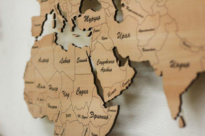 Деревянная карта мира из груши