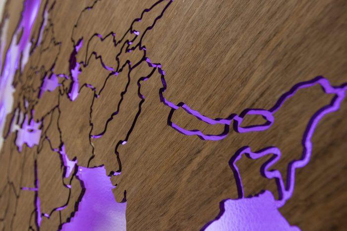 Карта мира из дерева Азия Имбая