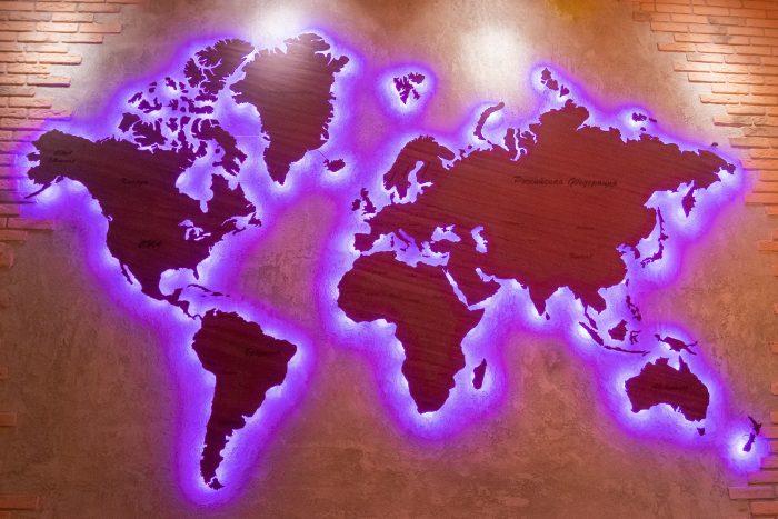Деревянная карта мира из Амаранта