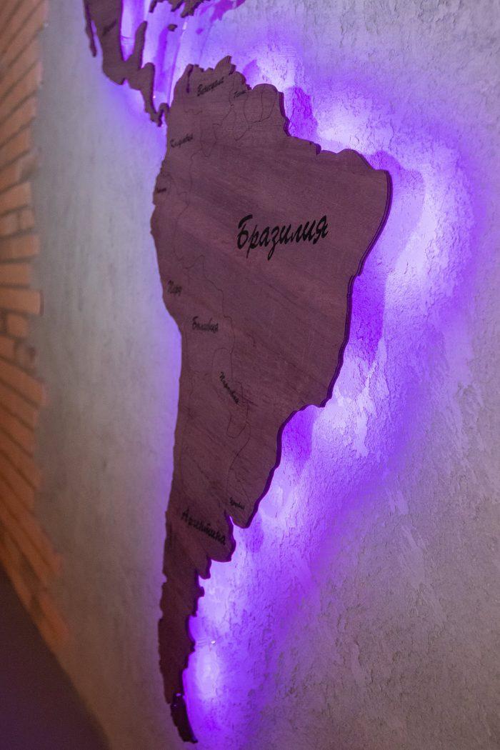 Деревянная карта мира из Амаранта Южная Америка