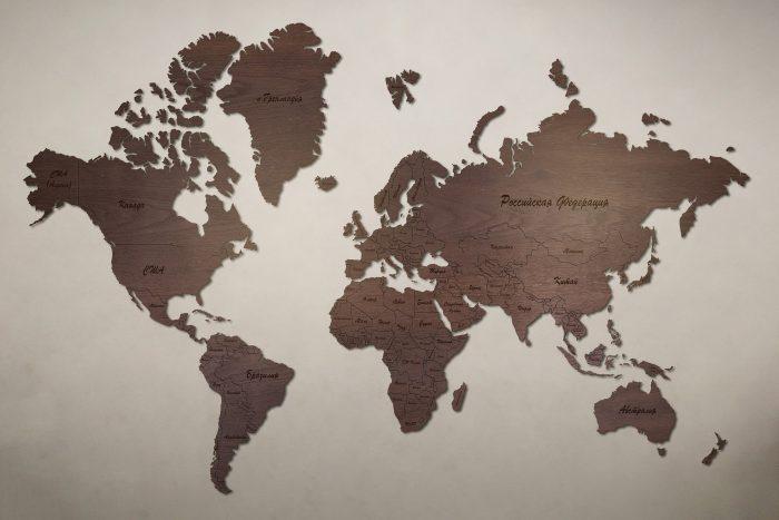 Рендер карты мира из дуба мореного