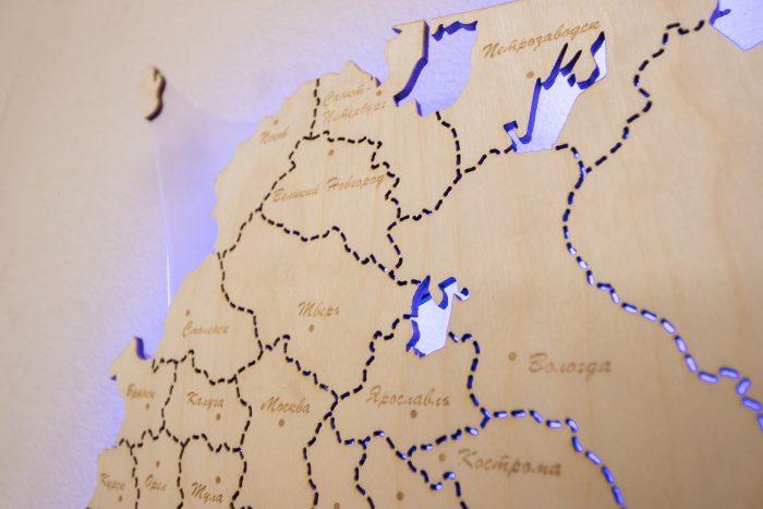 Деревянная карта России с гравировкой городов
