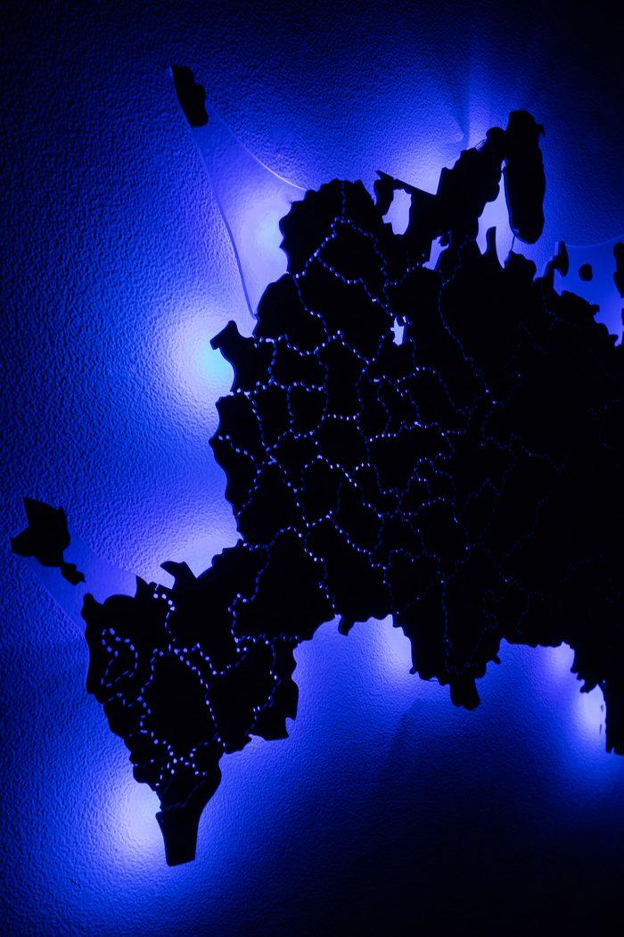 Деревянная карта России со светодиодами