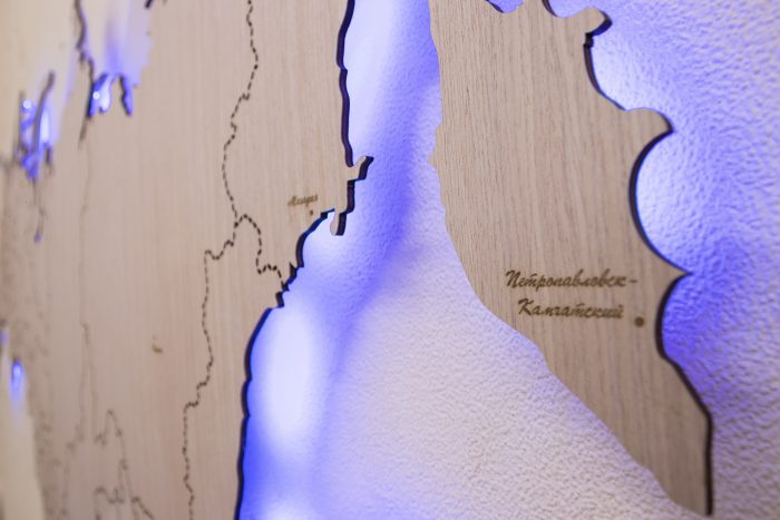 Деревянная карта России с гравировкой
