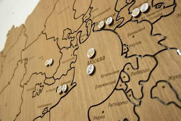 Карта из дерева Москвы и московской области