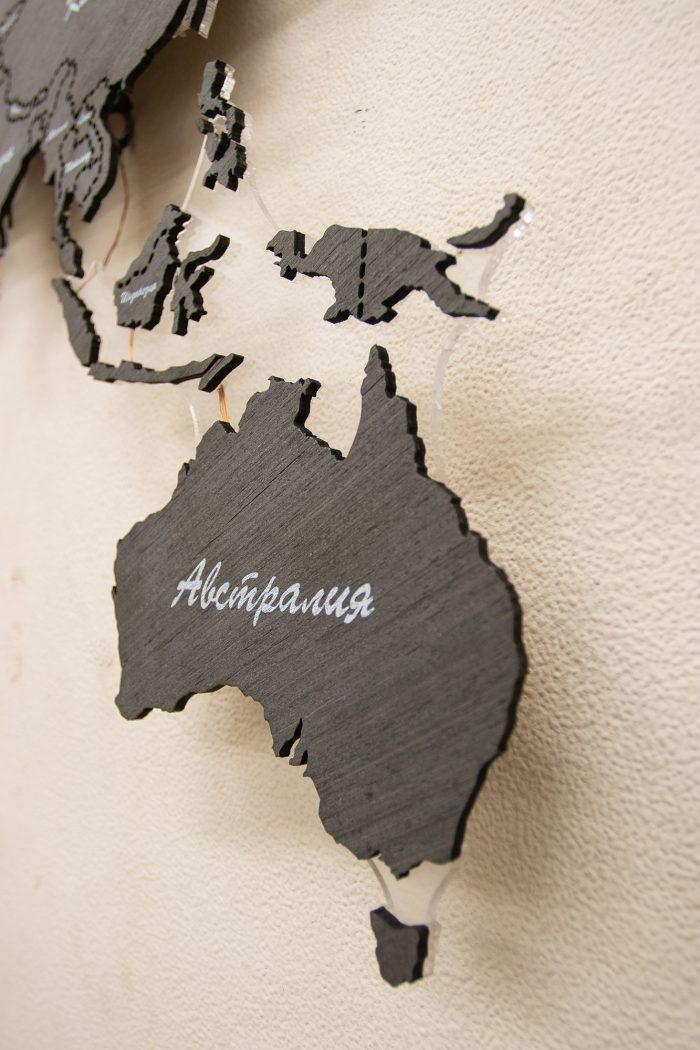 Деревянная карта мира из Эбена, страны Австралия.