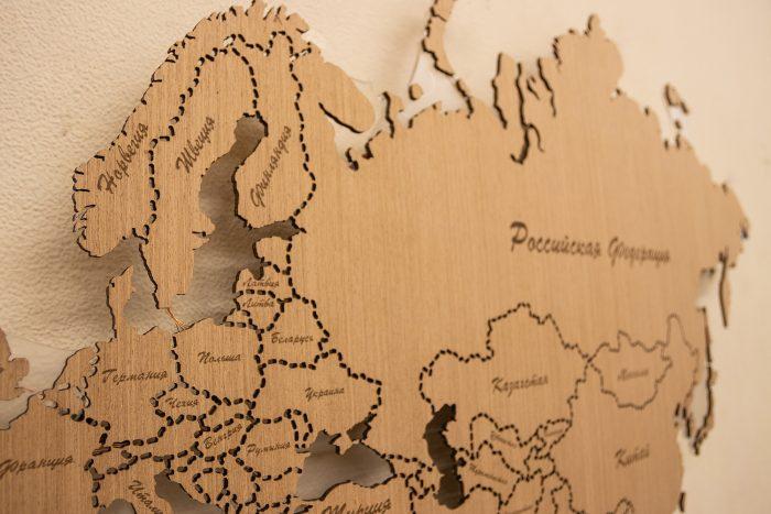 Настенная деревянная карта мира евразия