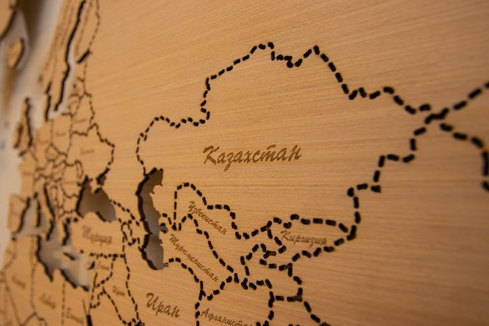 Деревянная карта мира из Анегри 592 QW, Казахстан