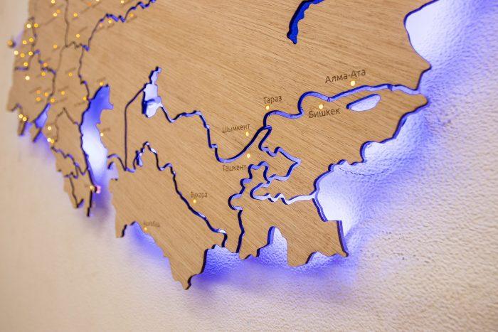 Деревянная карта СНГ с синей подсветкой