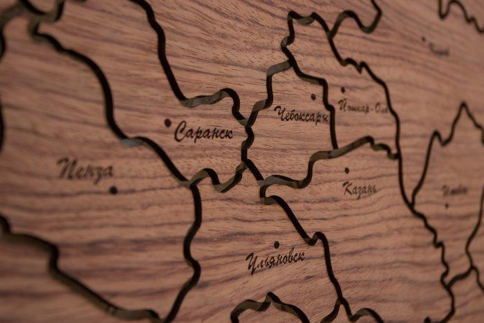 """Настенная Карта России из натурального шпона """"Бубинго"""". Чебоксары."""