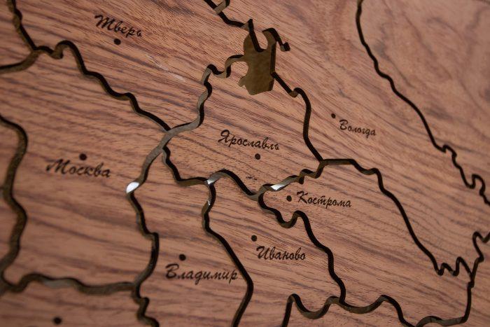 """Карта России из натурального шпона """"Бубинго"""". Ярославль."""