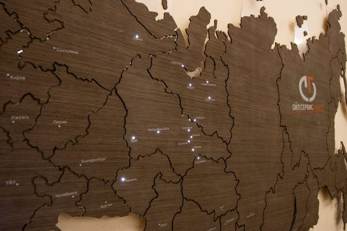 Карта России из шпона Файн-Лайн. Дуб21S - Мореный. С точечной подсветкой городов.