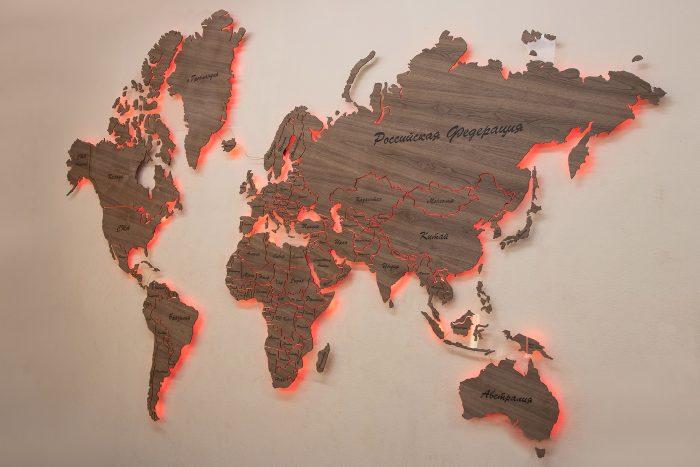 """Карта Мира из натурального шпона """"Американский орех"""". Мир с красной подсветкой."""