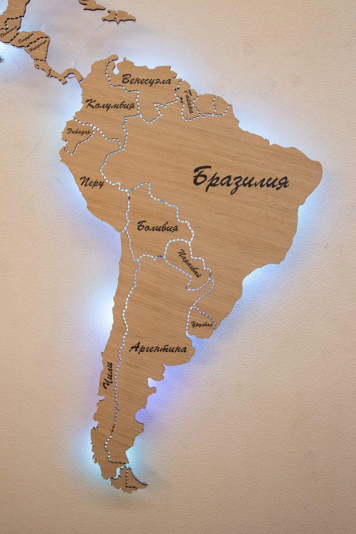 Карта Мира с цельными материками и со штриховым зазором границ государств. Бразилия