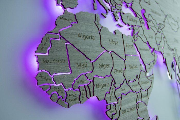"""Настенная Карта Мира из шпона Файн-Лайн """"Дуб 7S"""". Африка"""