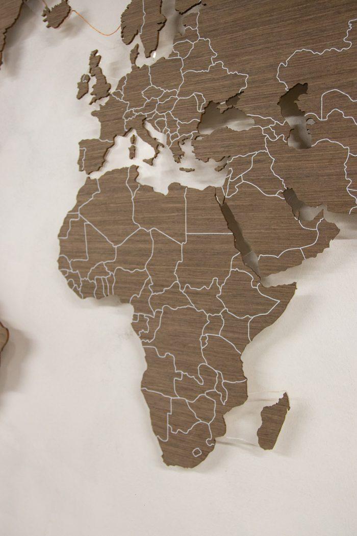 Деревянная Карта Мира с цельными материками. Шпон - Файн-Лайн Дуб21S.