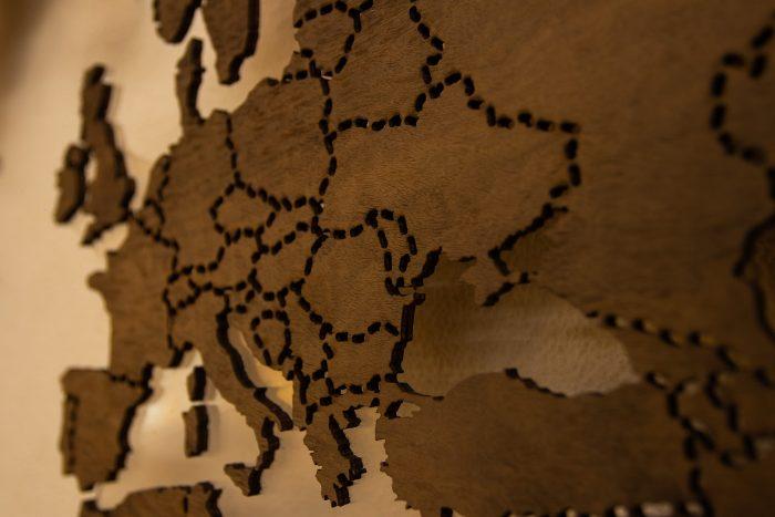 """Деревянная Карта Мира из натурального шпона """"Имбая-Помеле"""" Европа"""