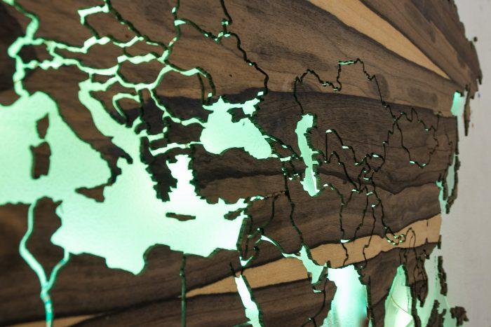 Настенная карта Мира из натурального шпона Зирикота. Средняя Азия.