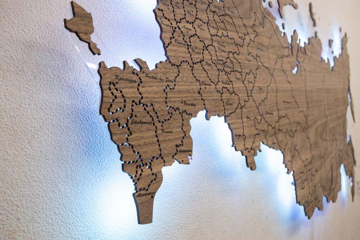 Деревянная Карта России из Ореха Американского. Западная часть России