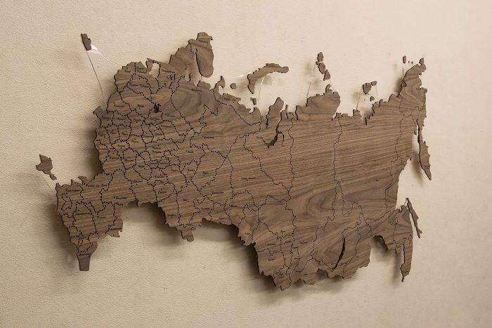 Деревянная Карта России с подсветкой из Ореха Американского. Без подсветки