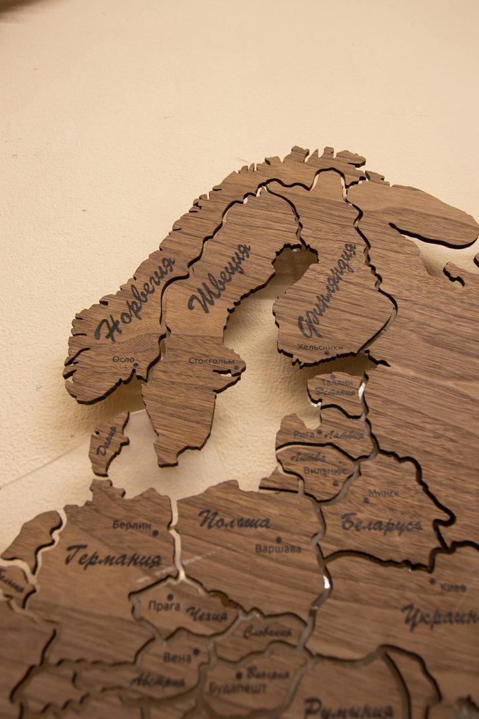Настенная Карта мира из натурального шпона - Американский орех. Скандинавия