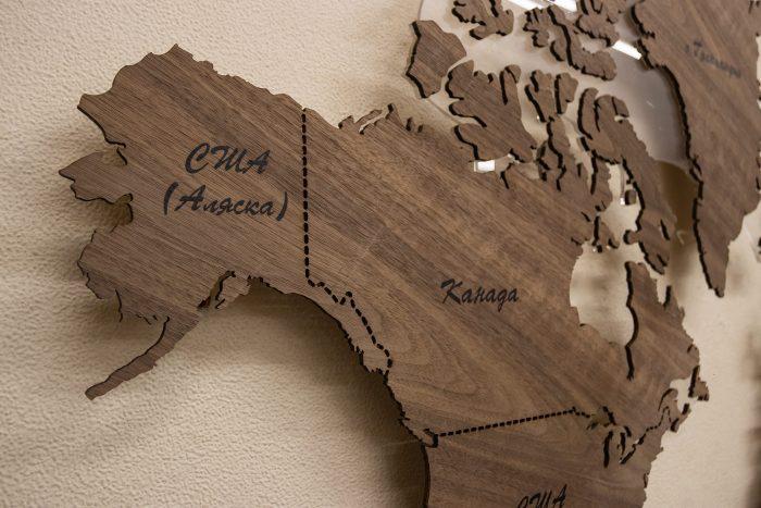 Настенная Карта Мира из Ореха Американского. Канада и США