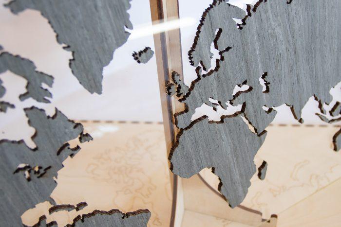 """Подарочная карта мира с отделкой из шпона Файн-Лайн """"Дуб 7S"""" Африка и Россия"""