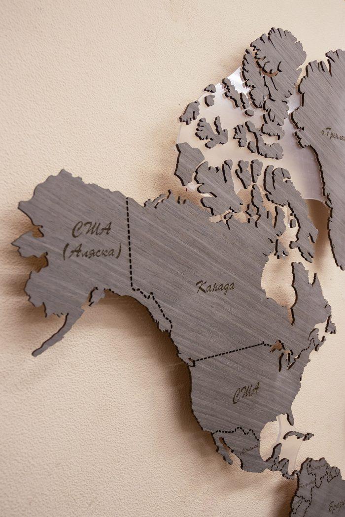 Настенная Карта Мира из Дуба 7S. Границы выполнены в виде штрихового зазора. Канада и США