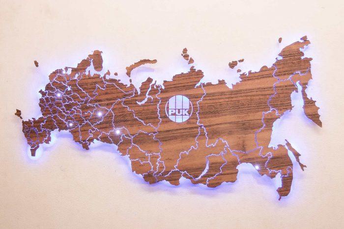 Деревянная карта России из шпона Тайгервуд с подсветкой