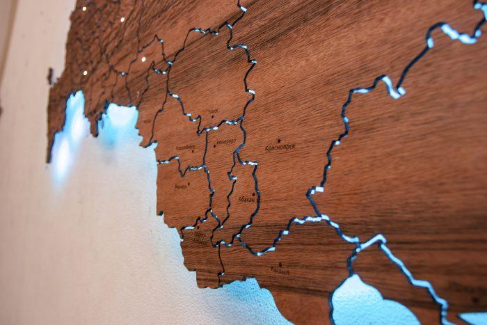Деревянная карта России из Тайгервуда с подсветкой