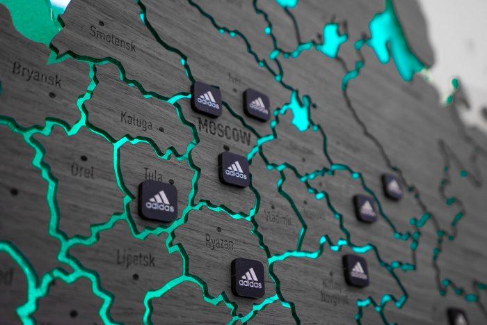 Настенная карта России из дерева серии Elite из шпона Файн-Лайн Дуб7S Адидас