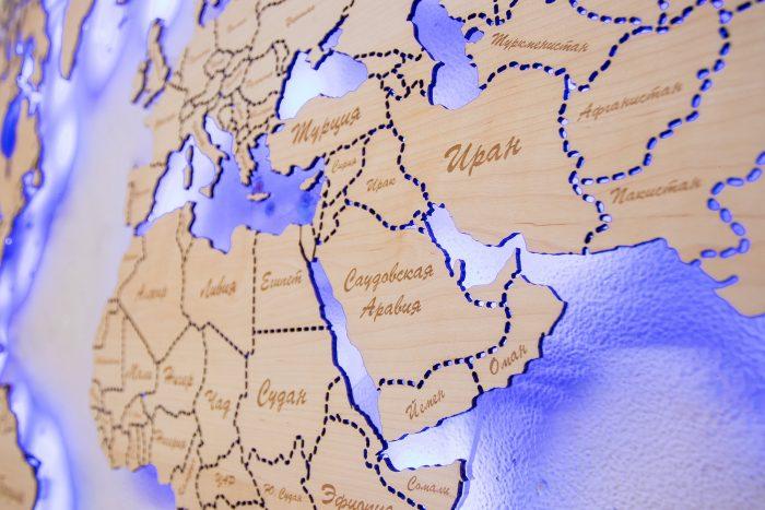 Карта мира из натурального шпона Ольха