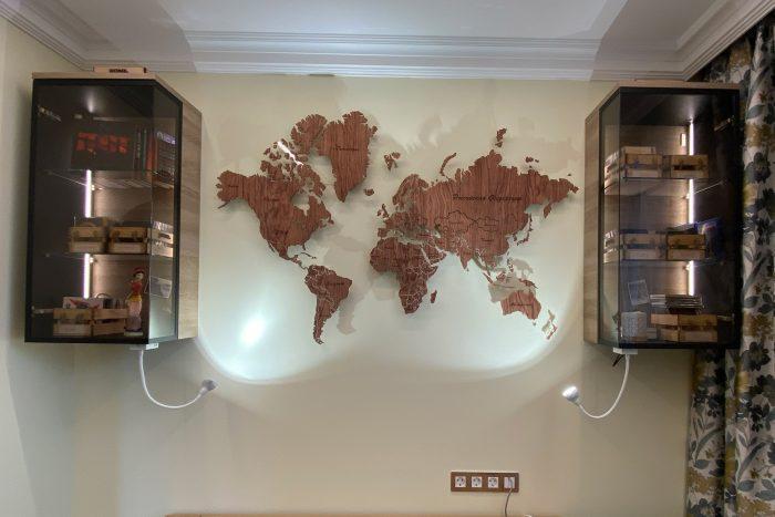 Настенная карта мира из дерева серии Elite из шпона Файн-Лайн Бубинга 135